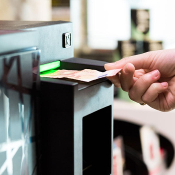 Azkoyen adapta sus medios de pago a la nueva moneda de libra que entrará en circulación en el Reino Unido